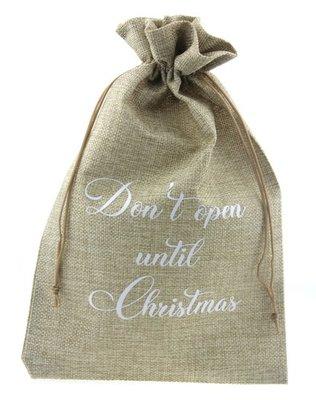 Jute zakje 20 x 30 cm don't open until christmas wit