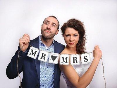 Slinger trouwen Mr Mrs met henneptouw